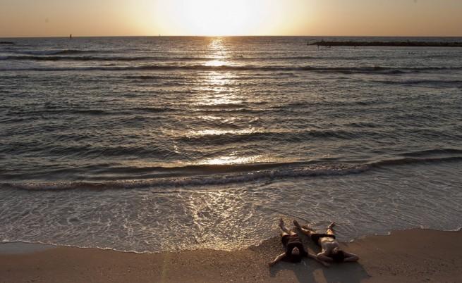 В Хърватия: Забраняваме груповия секс по плажовете