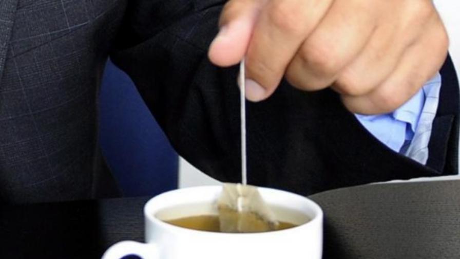 Пакетче чай вместо жълти стотинки - валутната главоблъсканица в Северна Корея