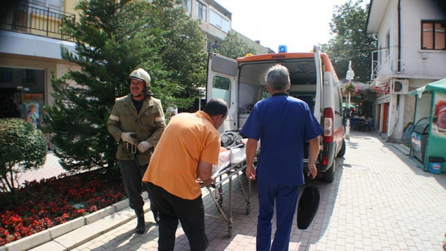 Възрастна жена направи опит да се самозапали в Казанлък