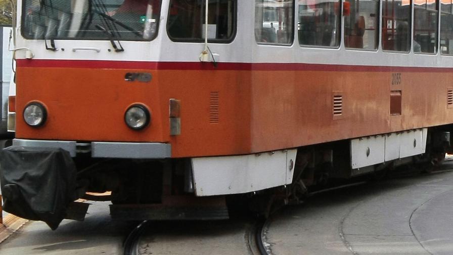 Мъж бе блъснат от трамвай в София