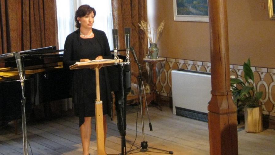 Красимира Стоянова на концерт в Балабановата къща в Стария Пловдив (2011 г.)