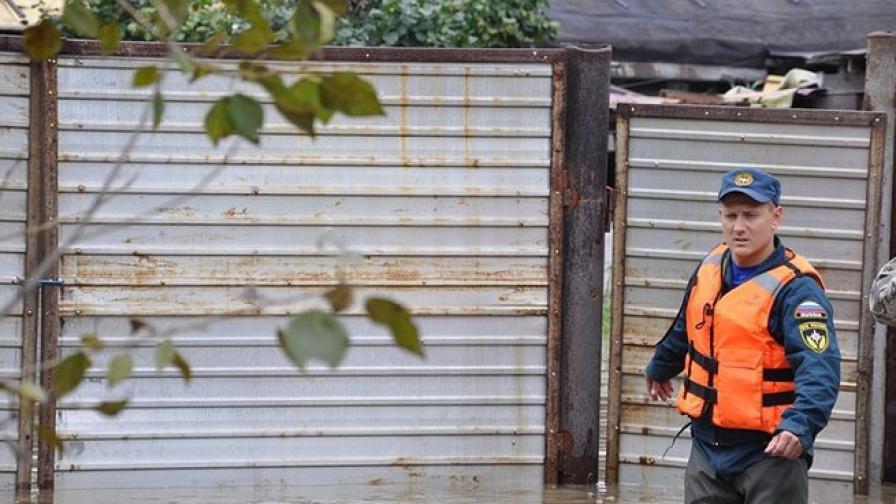 Продължава борбата с наводненията в Далечния изток