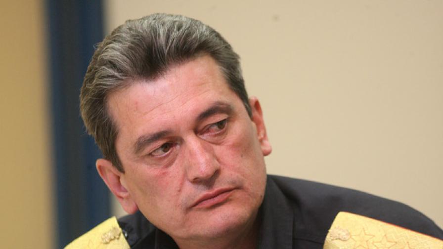 Николов: Тежка е ситуацията с пожара край Локорско