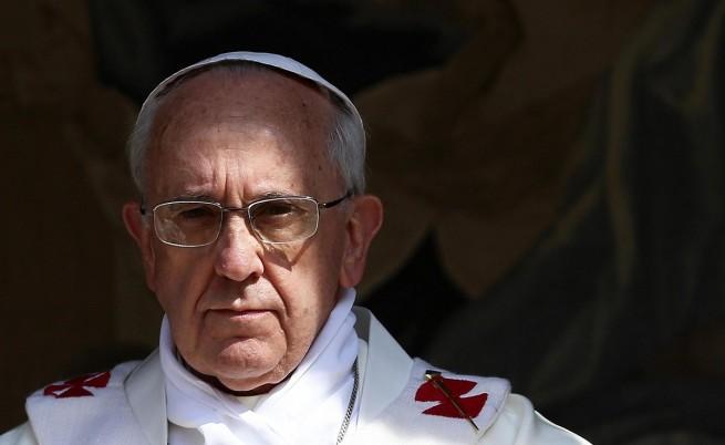 Папата призова да бъде спрян