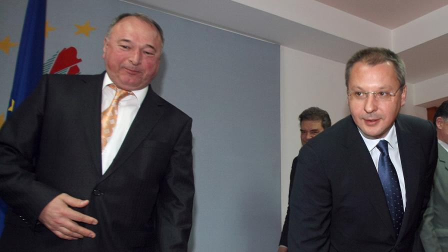 Депутатът Спас Панчев и лидерът на левицата Сергей Станишев (архив)