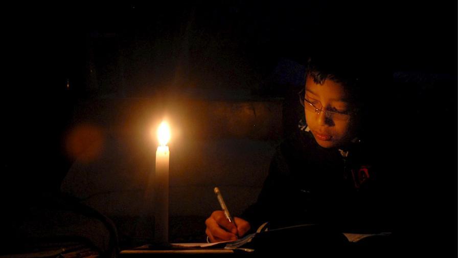 Авария остави без ток почти половин Венецуела