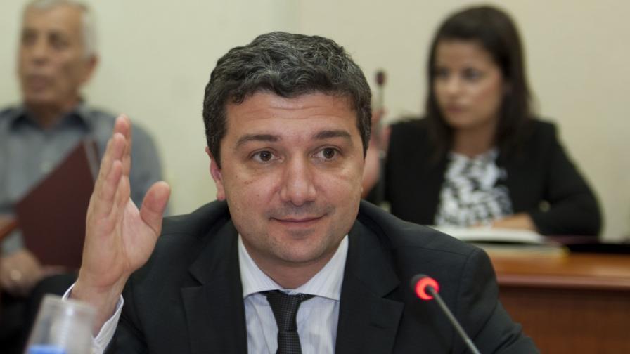 Стойнев: МИЕ ще подкрепи изграждането на хипермаркет с български стоки