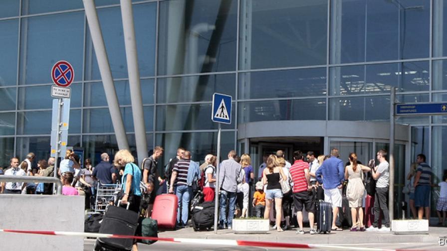 Повече пътници на Летище София през август