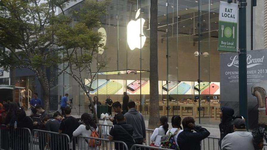 Епъл продаде 9 милиона iPhone за три дни