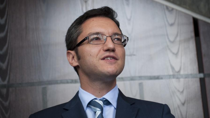 Посланикът ни в Бразилия ще съди министър Вигенин за уволнението си