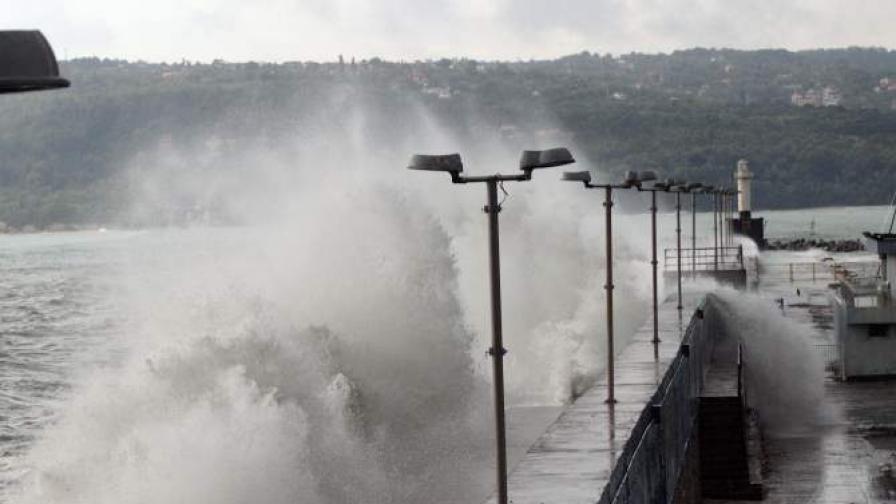 Вълните във Варненско