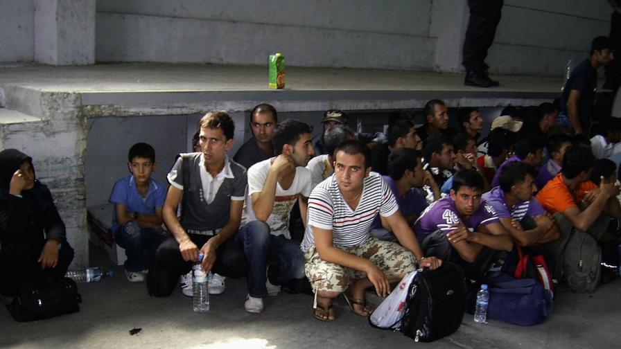 Кметът на Лондон: Двугодишна забрана до помощи за имигранти