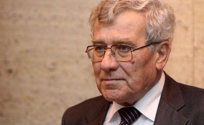 Шефът на КС: Пеевски не е спирал да бъде депутат