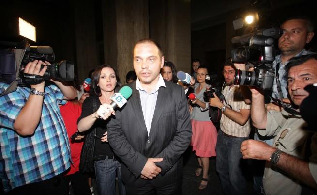 Осъдиха Филип Златанов на 3,5 г. лишаване от свобода