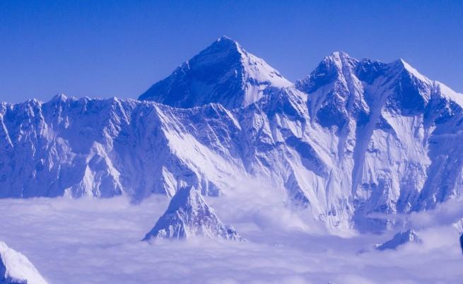 Земетресението в Непал направи Еверест по-нисък