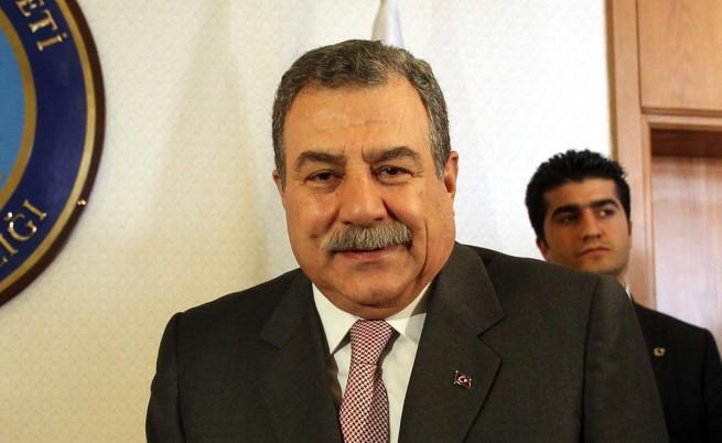 Турският вътрешен министър Муаммер Гюлер предложи оставката си заради ареста на сина му