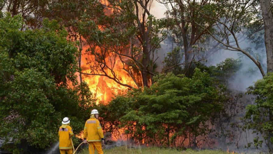 1500 огнеборци гасят пламъци в Австралия