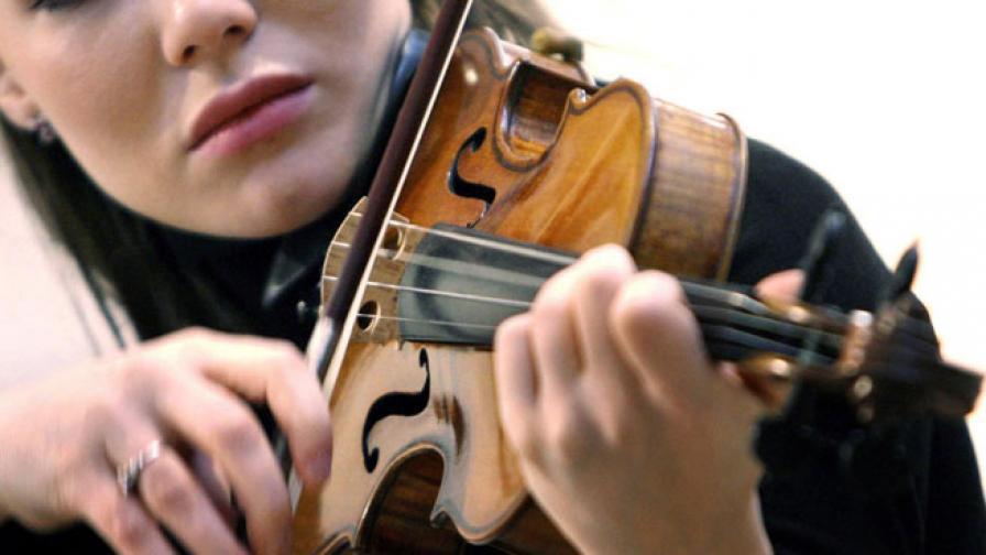 """На търг: Цигулка от """"Титаник"""" продадена за $1,45 млн."""