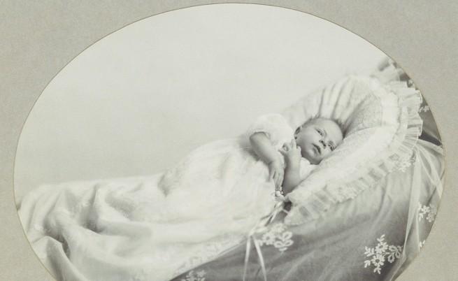 кралица Елизабет II като бебе
