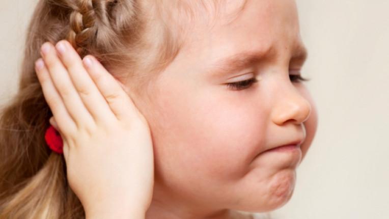 дете деца уши