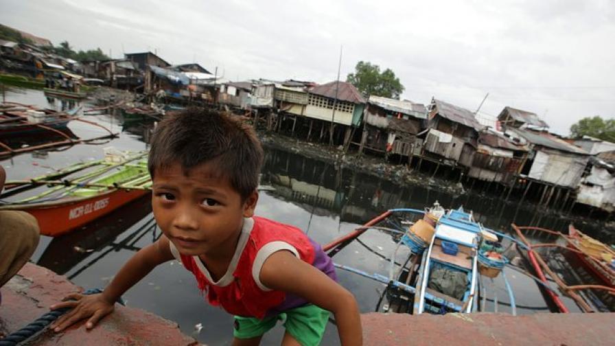 """100 души загинаха от тайфуна """"Хайян"""""""