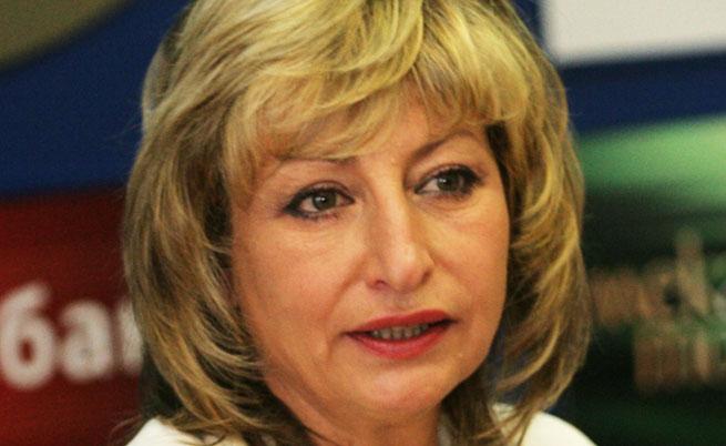 Мира Радева: Заинатяването на властта изкопава дълбока пропаст