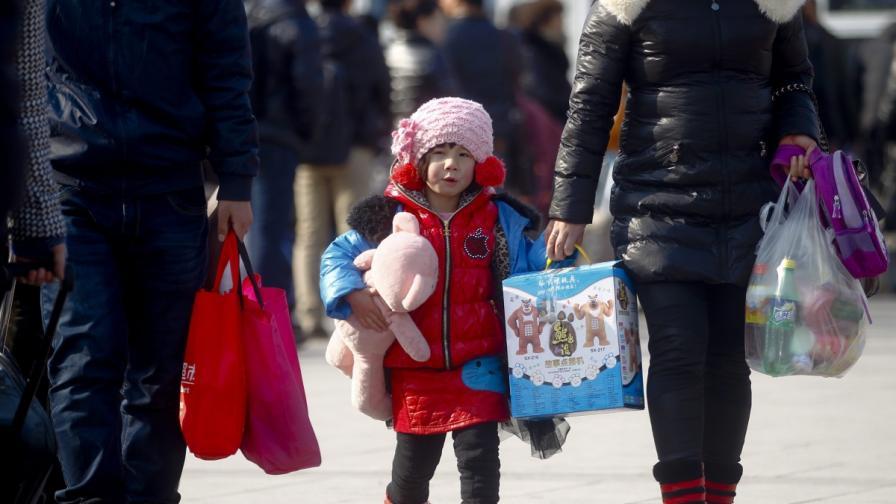Китай премахва трудовите лагери и ще облекчава политиката на едно дете