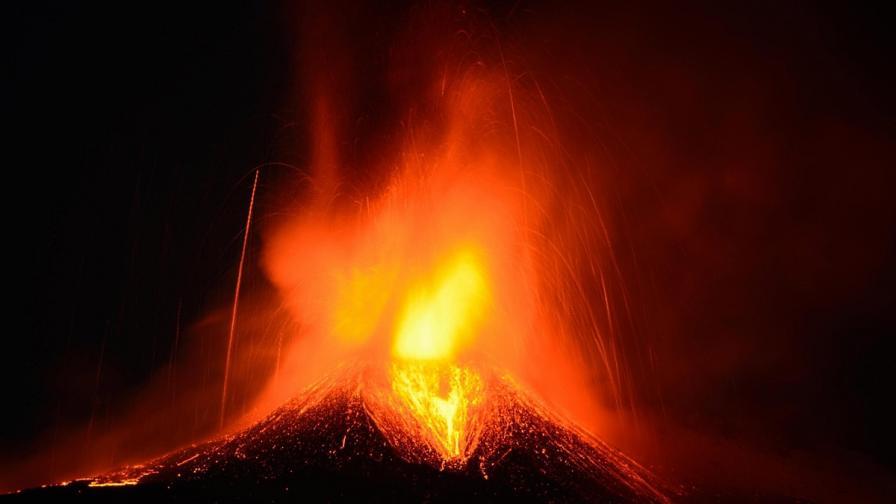 Разкриха загадка за мистериозно вулканично изригване в Индонезия