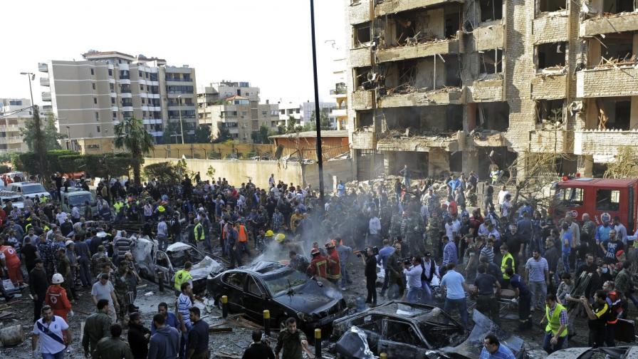 Атентат пред иранското посолство в Бейрут взе над 20 жертви