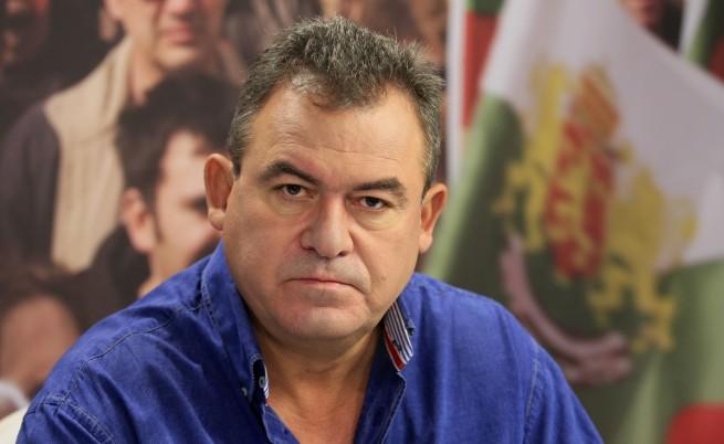 Богомил Бонев: Не бежанците, а ксенофобията е проблемът