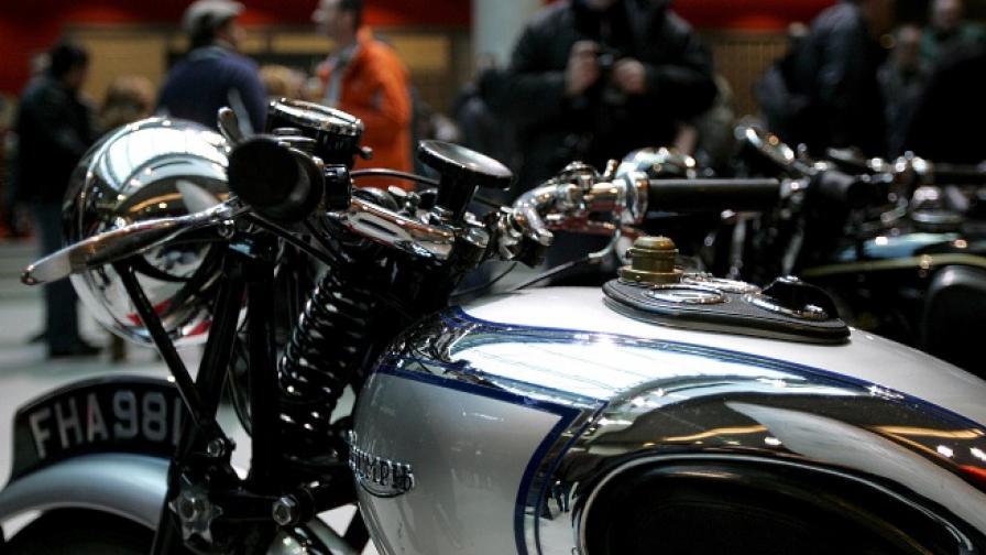 Собственик на откраднат мотор си го получи след 46 г.