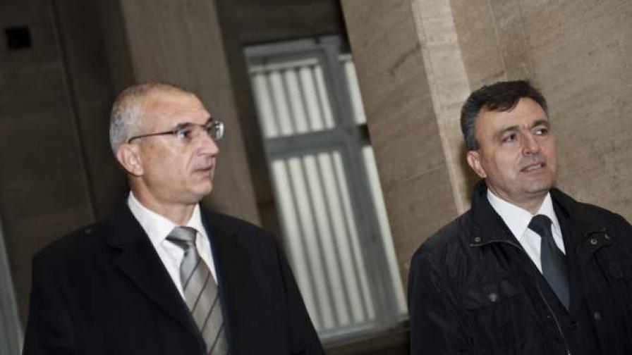 Днес трябваше да се разглежда делото срещу Веселин Георгиев (вляво) за Пътния фонд