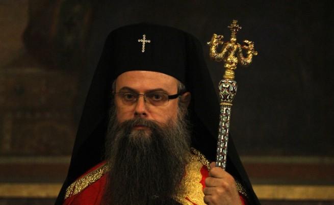 Митрополит Николай: Води се война срещу нас