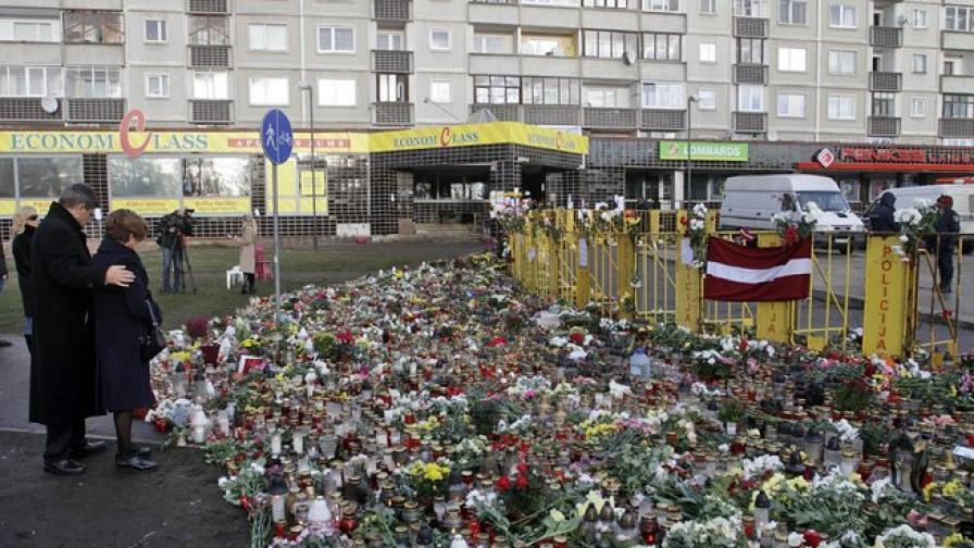 Уволнения заради неуместни коментари за трагедията в Рига