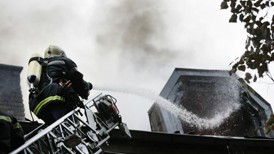 Пожар край онкоцентъра в Пловдив