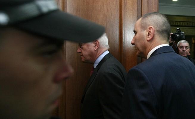 Проверяват Цветанов и за незаконно имущество