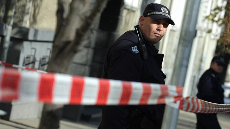 Самоделна бомба избухна пред офис в центъра на София