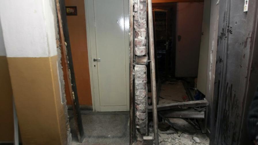 Взрив избухна в сграда до Съдебната палата в София