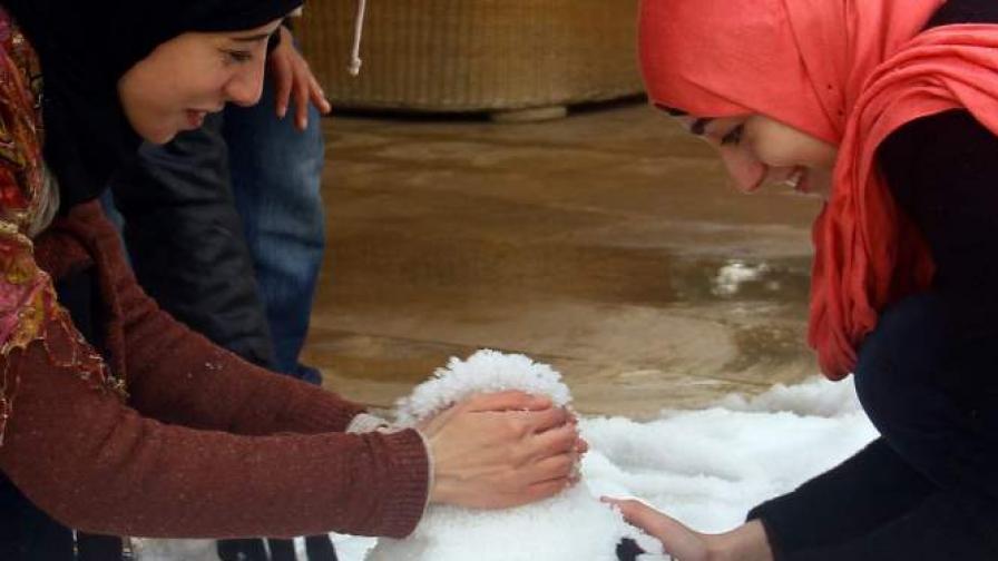 За пръв път от 112 г. египетските пирамиди под сняг