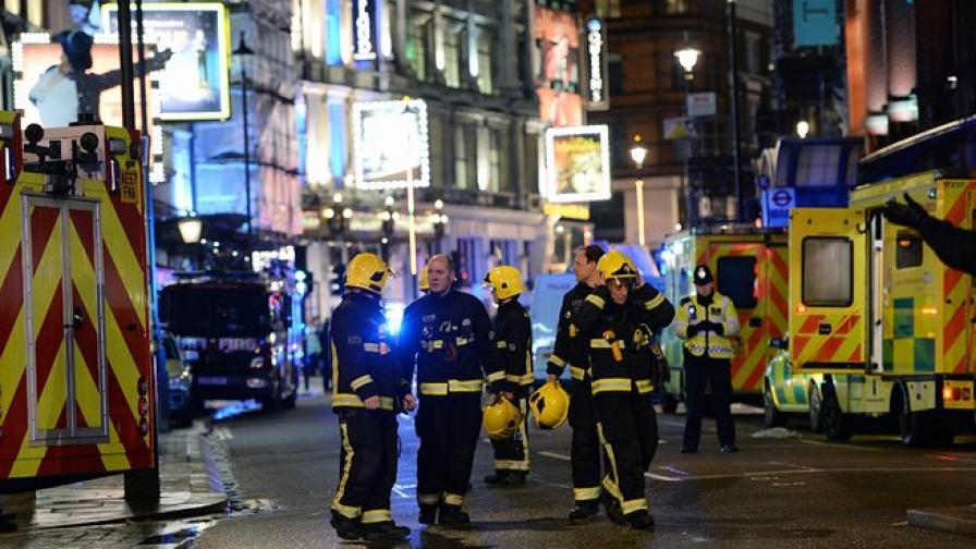 Без жертви се размина срутването в лондонски театър