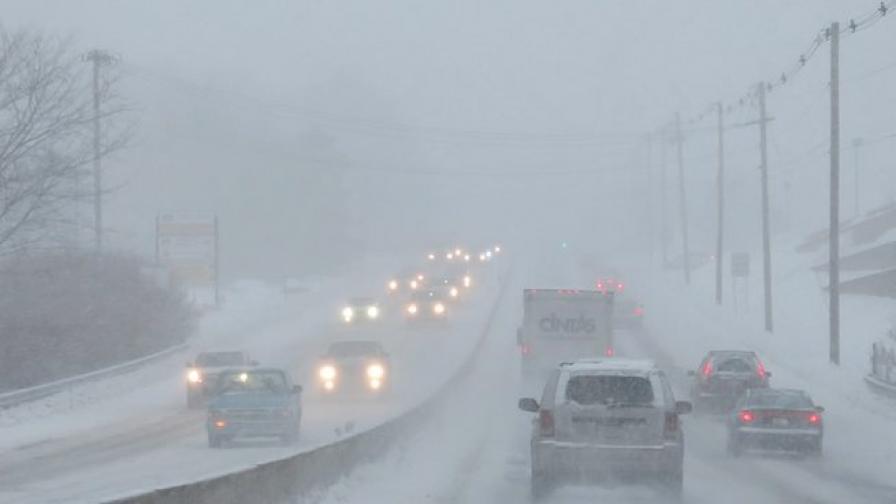 Снежна буря остави без ток 30 000 домакинства в Бретан