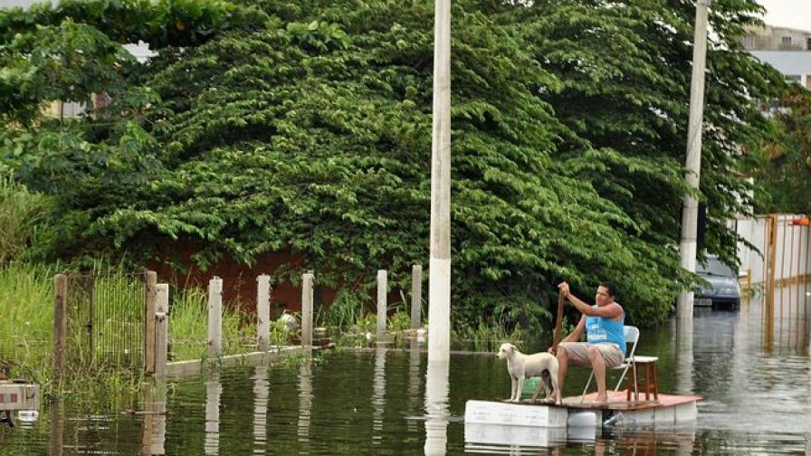 44 загинаха при наводненията в Бразилия