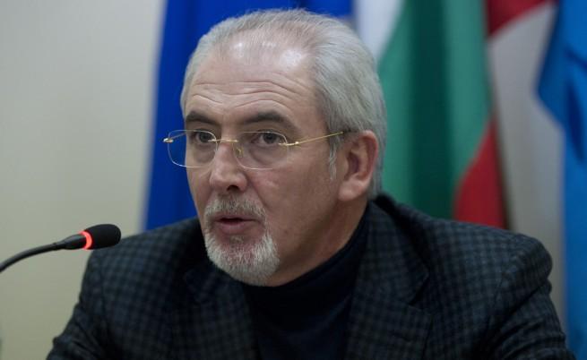 Лютви Местан: Бойко Борисов отне от трапезата на най-бедните хора