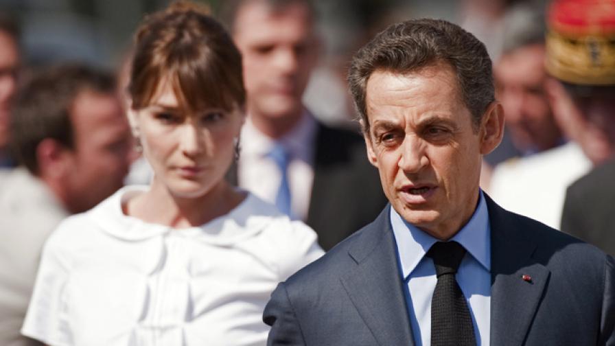 Никола Саркози се разведе след 11 годишен брак със Сесилия Саркози и се ожени за Карла Бруни - също топмодел