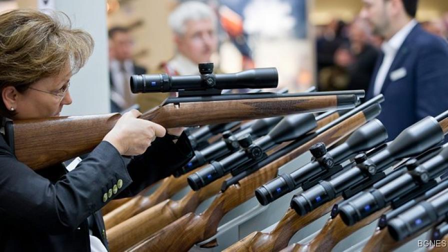"""Концернът """"Калашников"""" продължава да изнася оръжие в САЩ"""